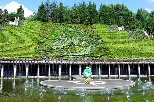 花と水のタペストリーを『チャチャ王国のおうじちゃま』絵柄にしてもらえる